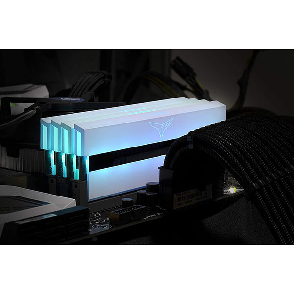 Memoria RAM Team Group T-Force Xtreem ARGB 64GB (2x32GB) DDR4-3600 CL18