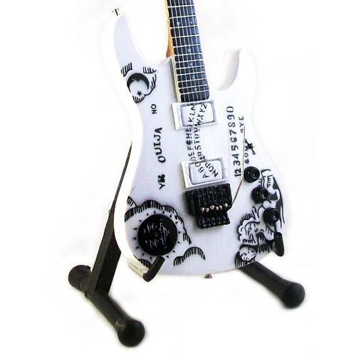 mini-guitarra-de-coleccion-estilo-metallica-kirk-hammett-ouija
