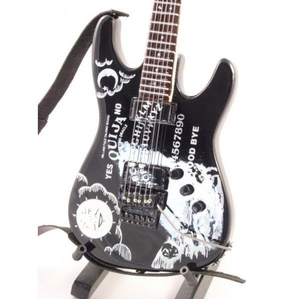mini-guitarra-de-coleccion-estilo-metallica-kirk-hammett