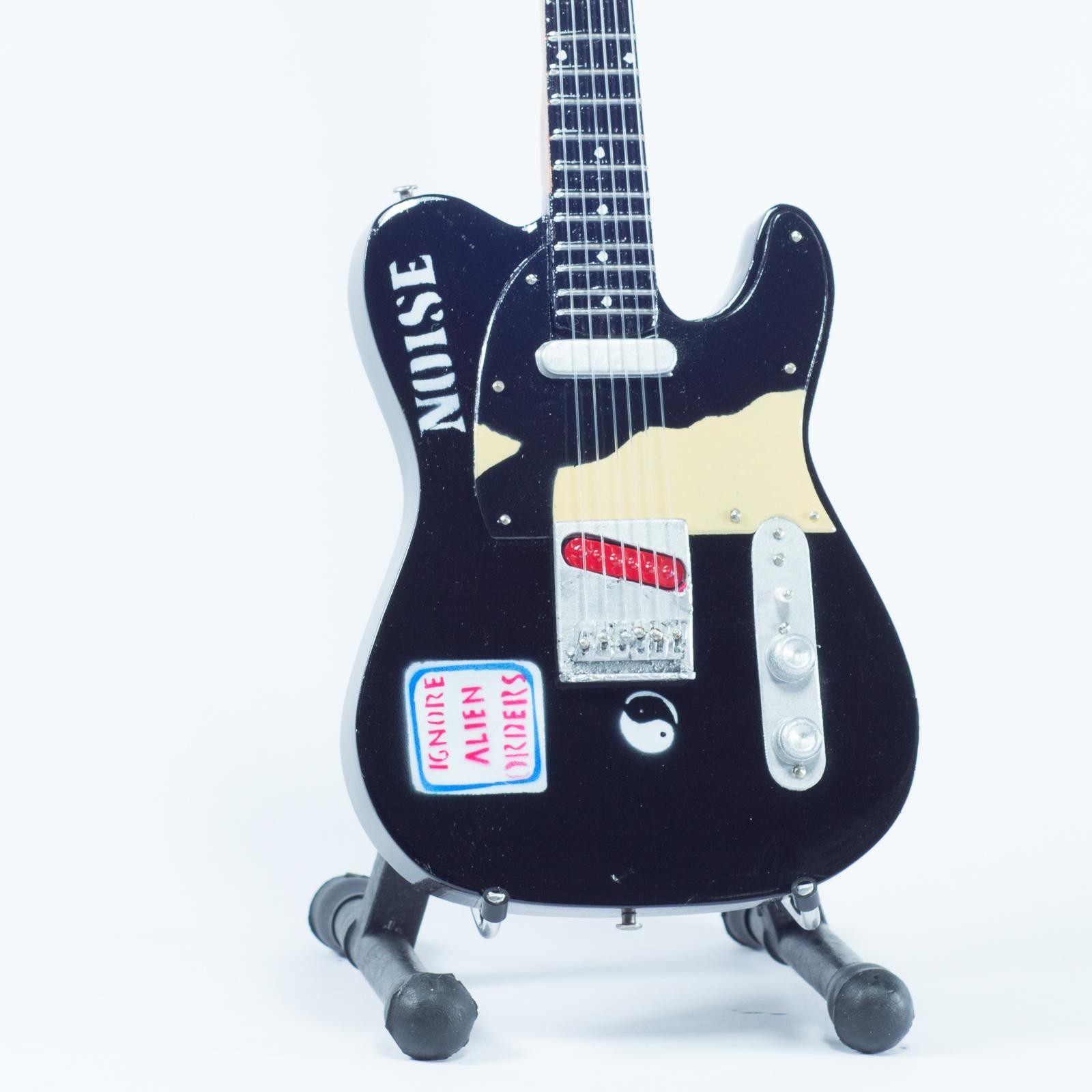 Mini Guitarra De Colección Estilo The Clash - Joe Strummer