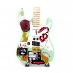 Mini Guitarra De Colección Estilo Green Day - Billie Joe Armstrong 01